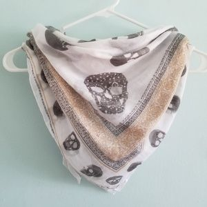 🔥 Sheer skull print lightweight square scarf